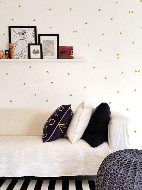 Dans une société où l'éphémère est roi, les stickers nous offrent la possibilité de voir notre espace de vie comme une toile géante. www.soodeco.fr