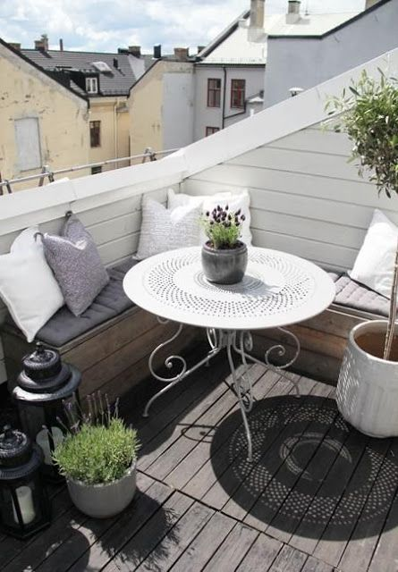 comment am nager un petit balcon soo deco. Black Bedroom Furniture Sets. Home Design Ideas